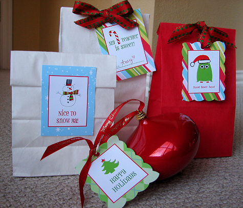 Christmas Gift Tags & Labels {Free Printables}